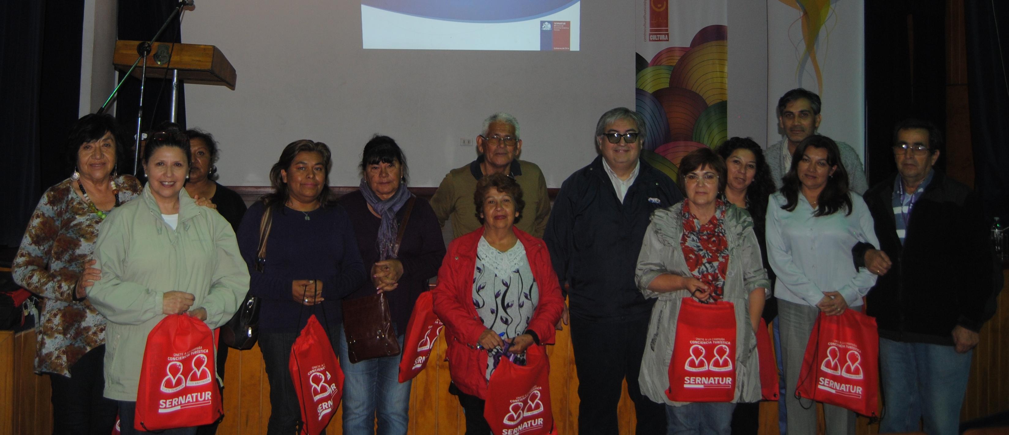 Sernatur y Municipio de Huasco preparan a vecinos para ser anfitriones en esta nueva temporada estival