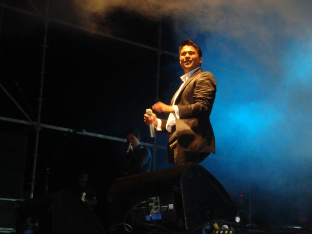 Américo y Douglas abren hoy primera jornada de festival Vallenar Canta