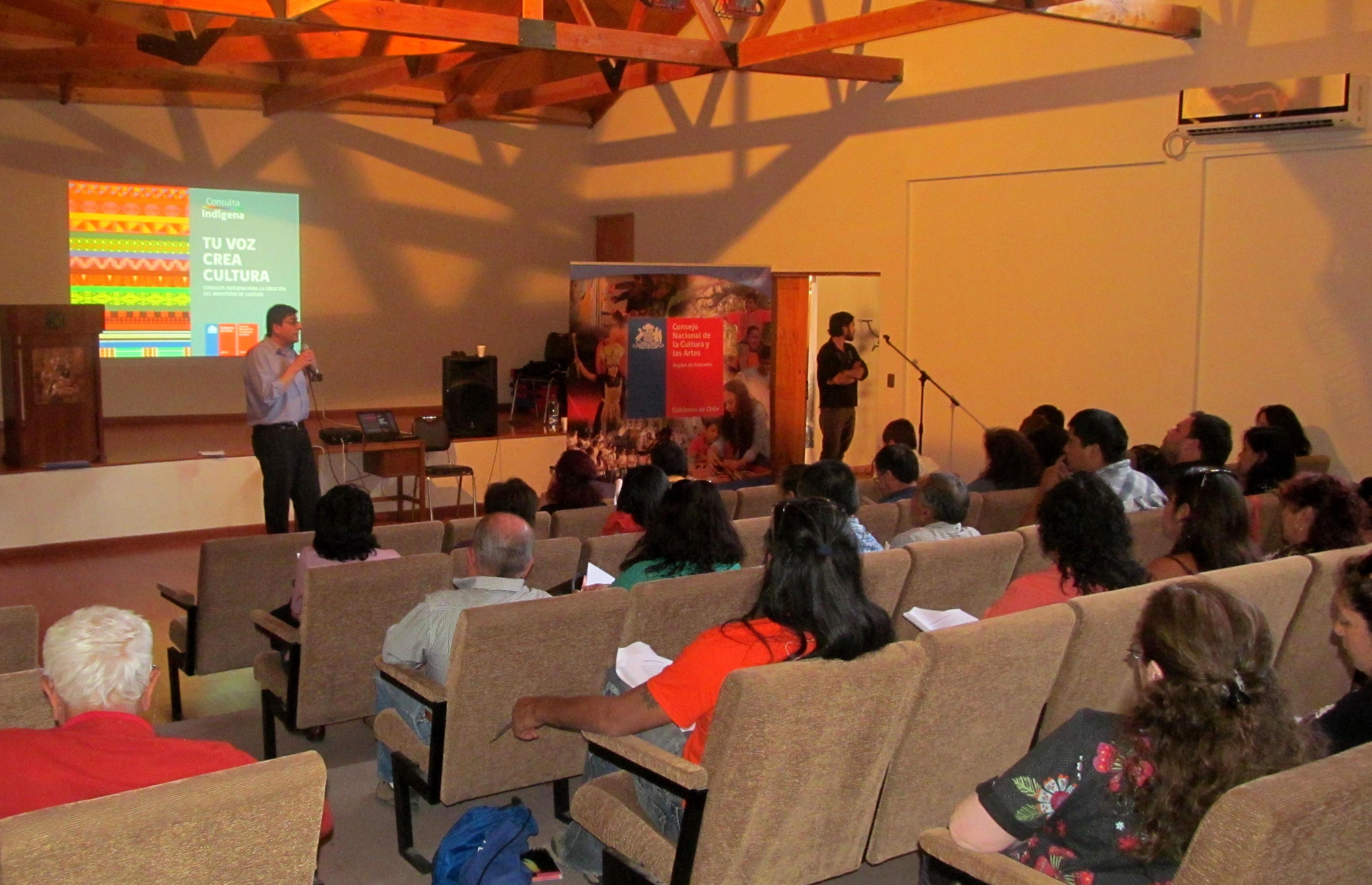 Diaguitas y Changos se reúnen con Directora Regional de Cultura