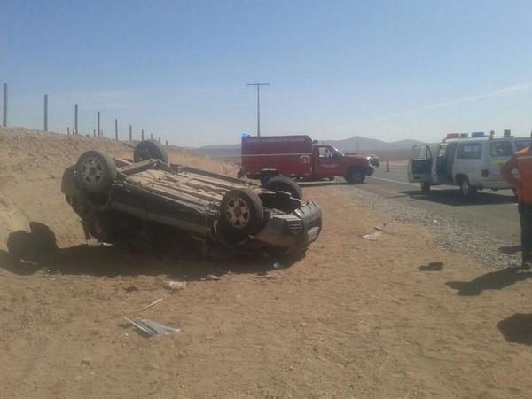 3 heridos tras volcamiento en las cercanías de Domeyko