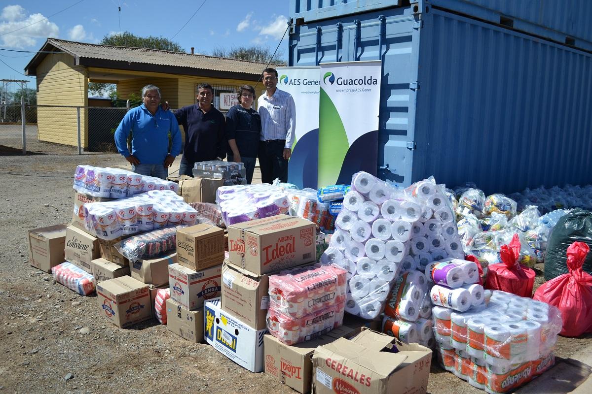 Guacolda entrega ayuda a familias afectadas por  emergencia en Atacama