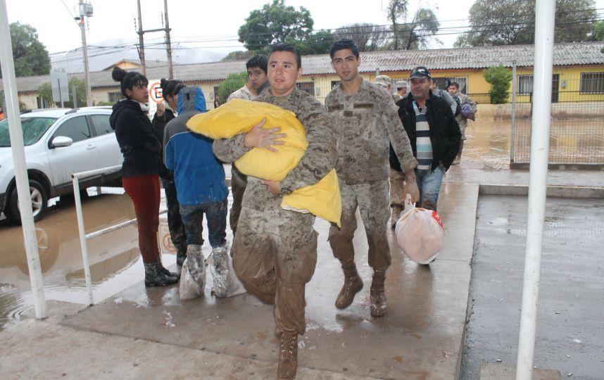 Ejército brinda apoyo a vecinos de Alto del Carmen