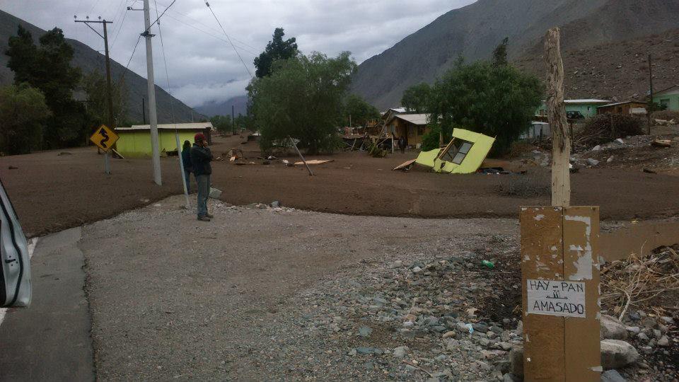 Intendente confirma destrucción de cinco viviendas y 20 damnificados en Alto del Carmen por aluvión