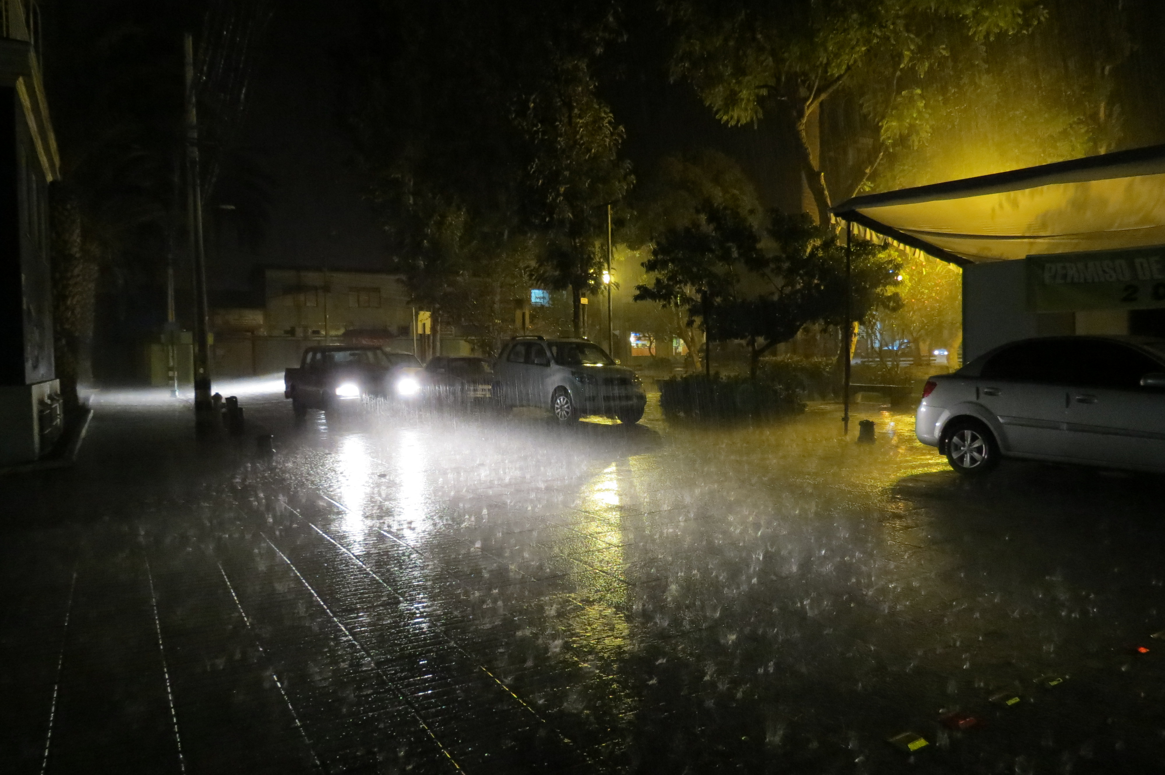 """Confirmaron precipitaciones """"moderadas a fuertes"""" entre Antofagasta y Atacama"""