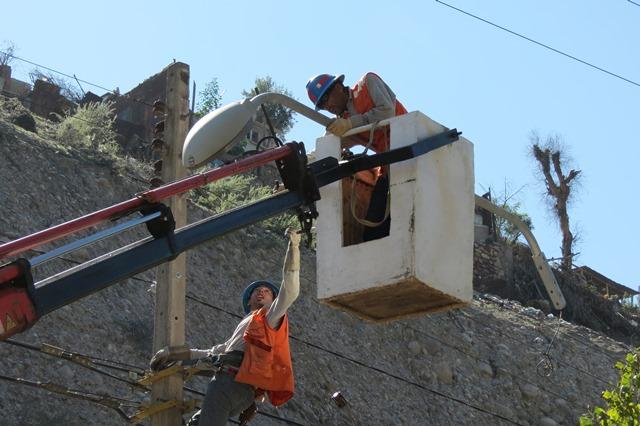Comienzan a cambiar 7 mil luminarias públicas en Vallenar