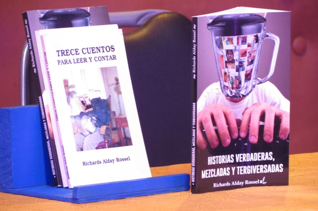 Escritor local lanza nuevo libro de relatos