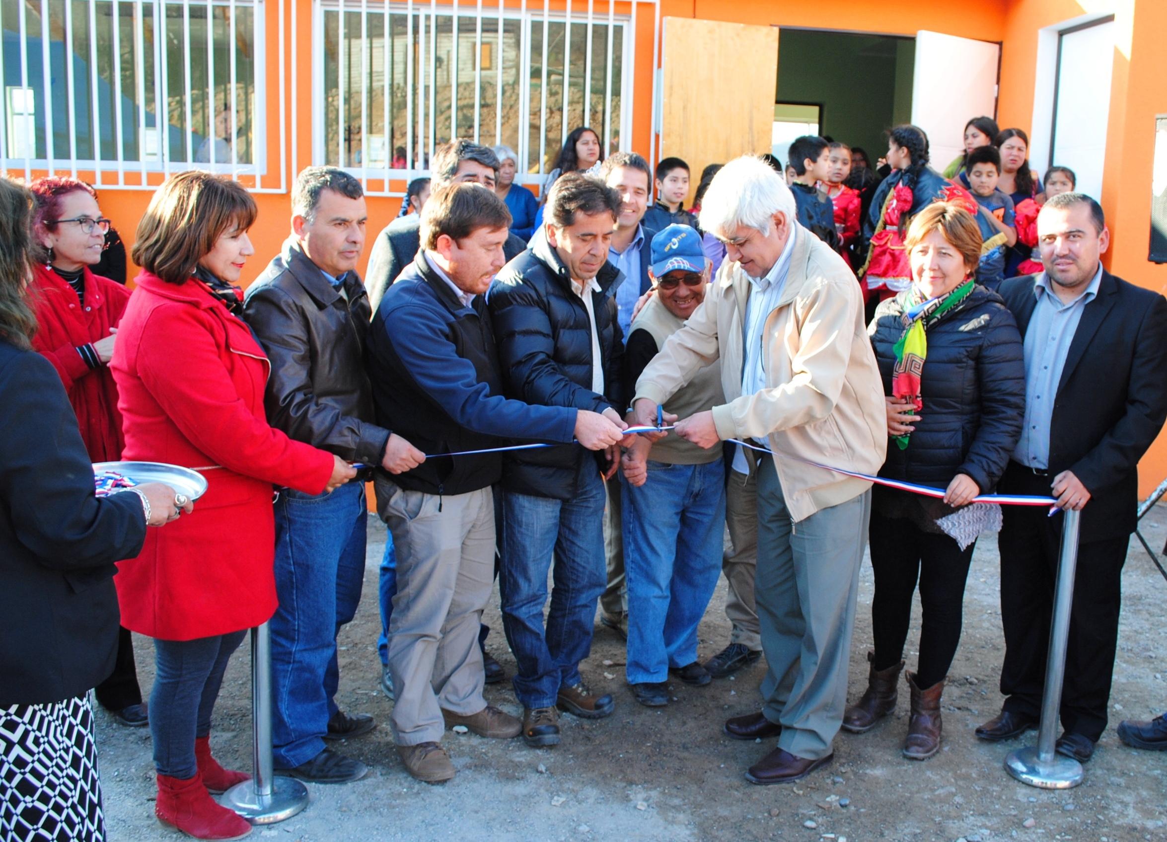 Gobierno y Municipio inauguraron camarines para el Estadio y una nueva sede vecinal en Freirina