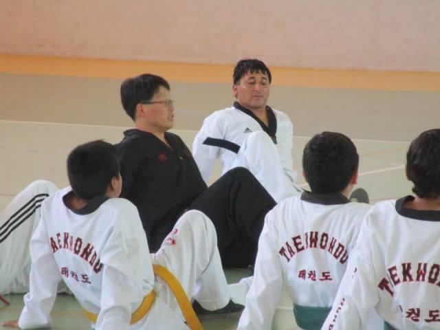 Niños y jóvenes reciben clínica de Taekwondo en Vallenar