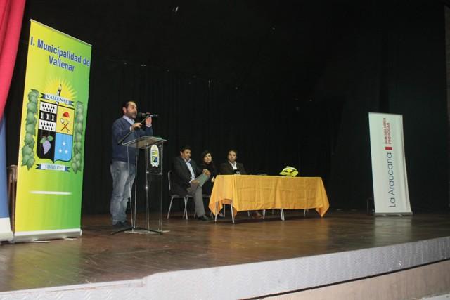 Firman convenio para concretar construcción de viviendas en sector Callejón Martínez