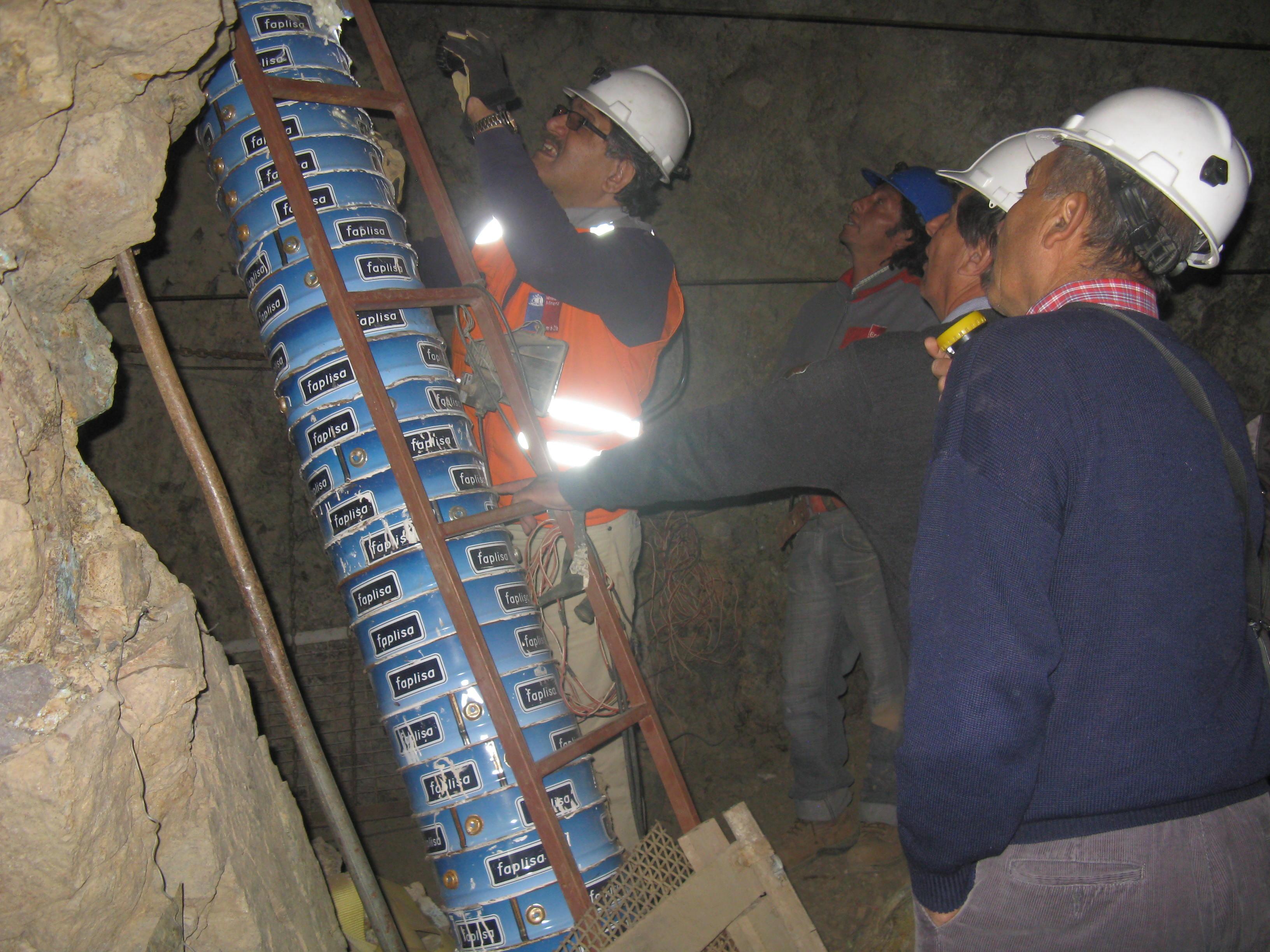 Inspeccionan faenas mineras en la localidad de Incahuasi