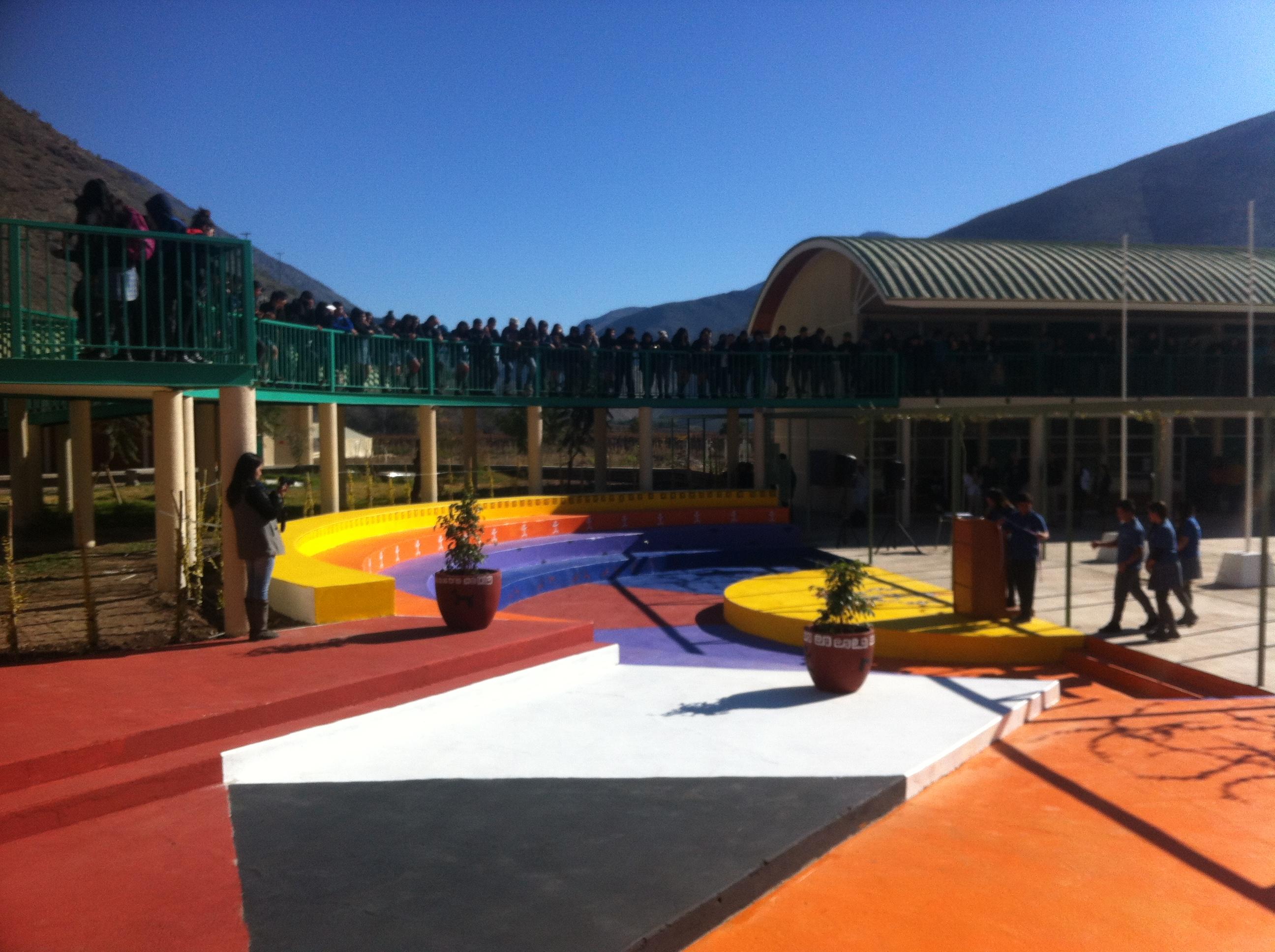Alumnos de liceo Alto del Carmen desarrollan proyecto de hermosamiento