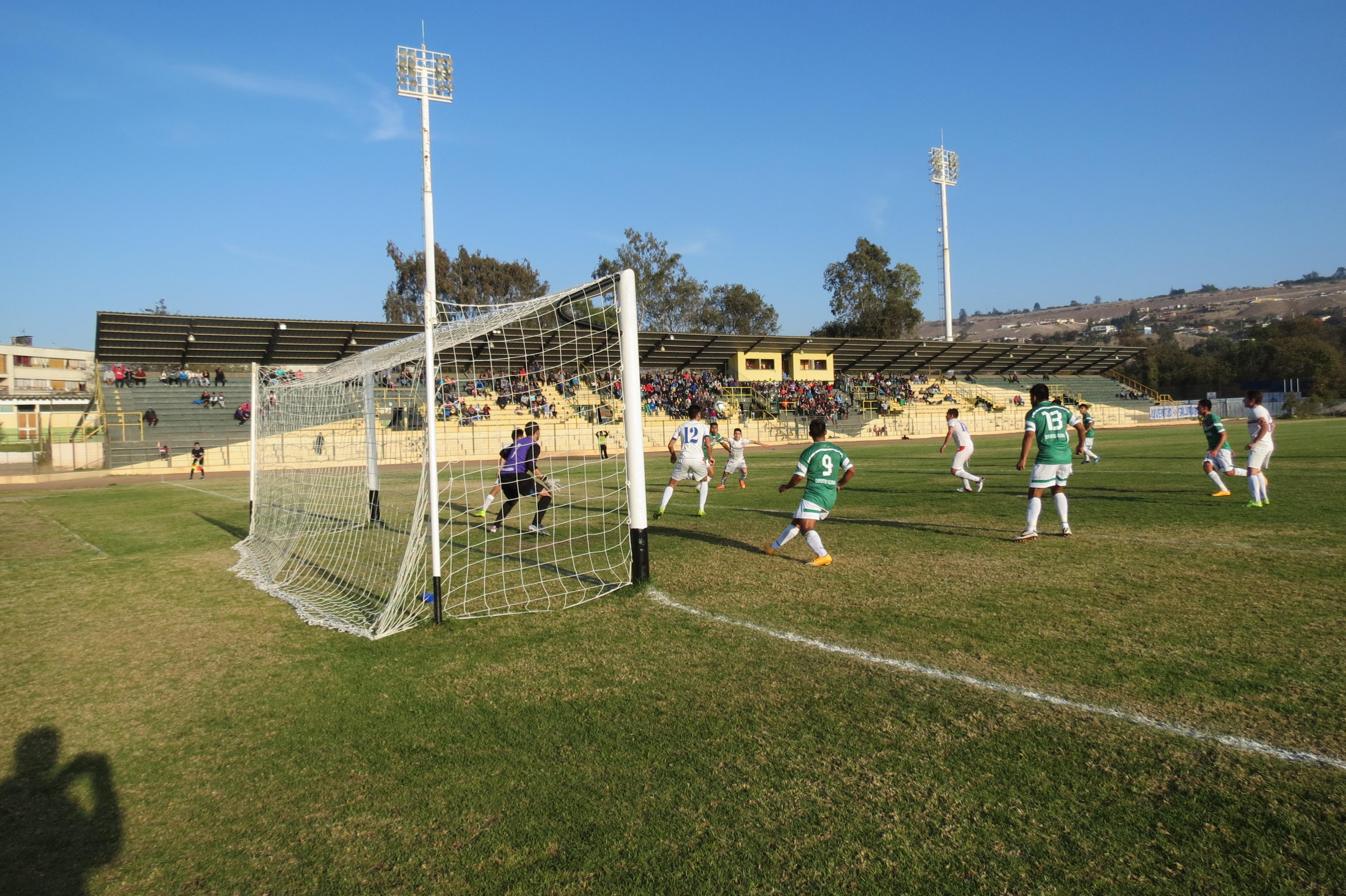 Deportes Vallenar espera este domingo tomar la punta de Tercera División