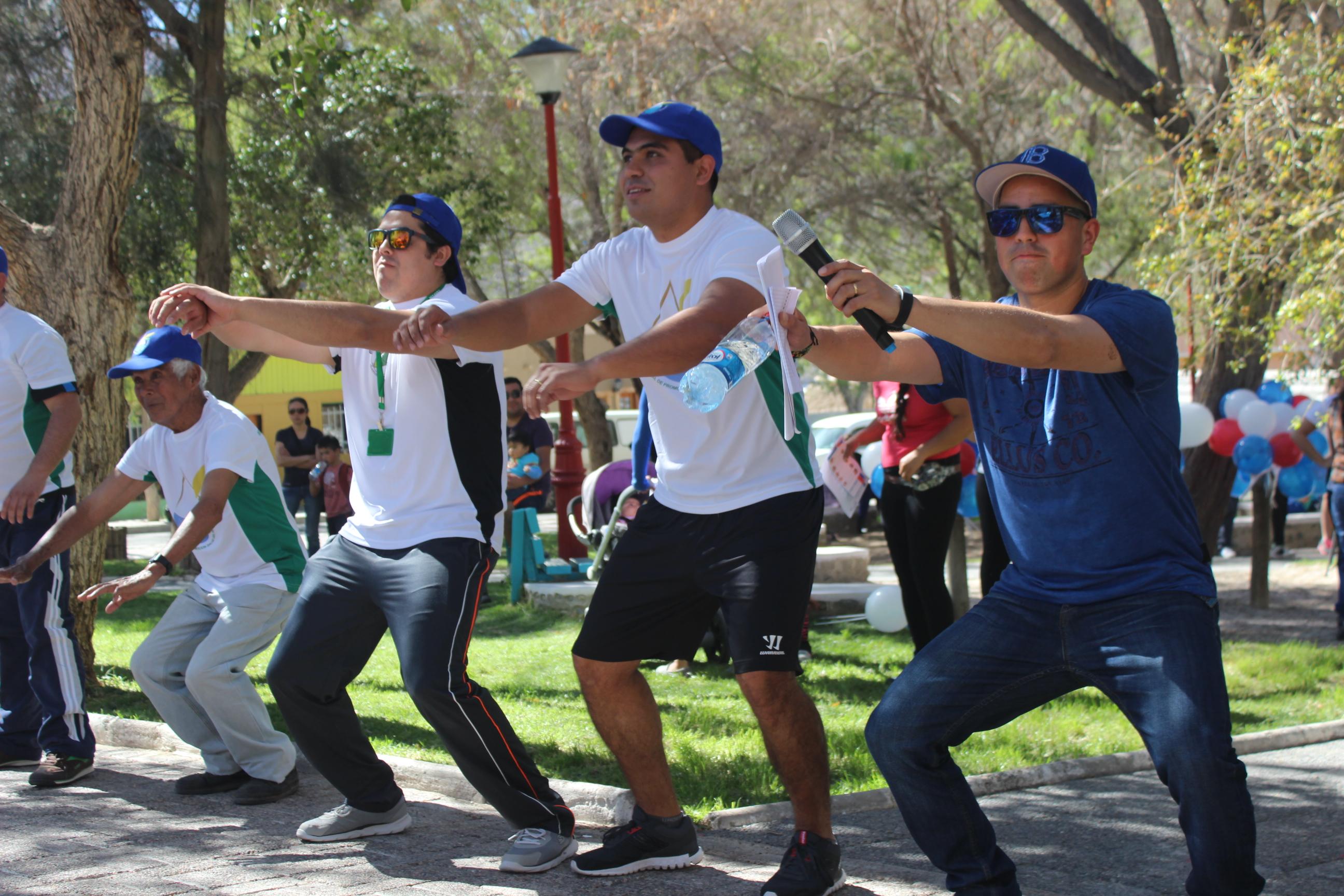 Vecinos disfrutan de Feria Costumbrista Saludable en Alto del Carmen