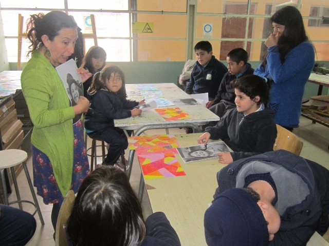 Desarrollan talleres motivacionales de música y pintura en Escuela Luis Alberto Iriarte de Vallenar