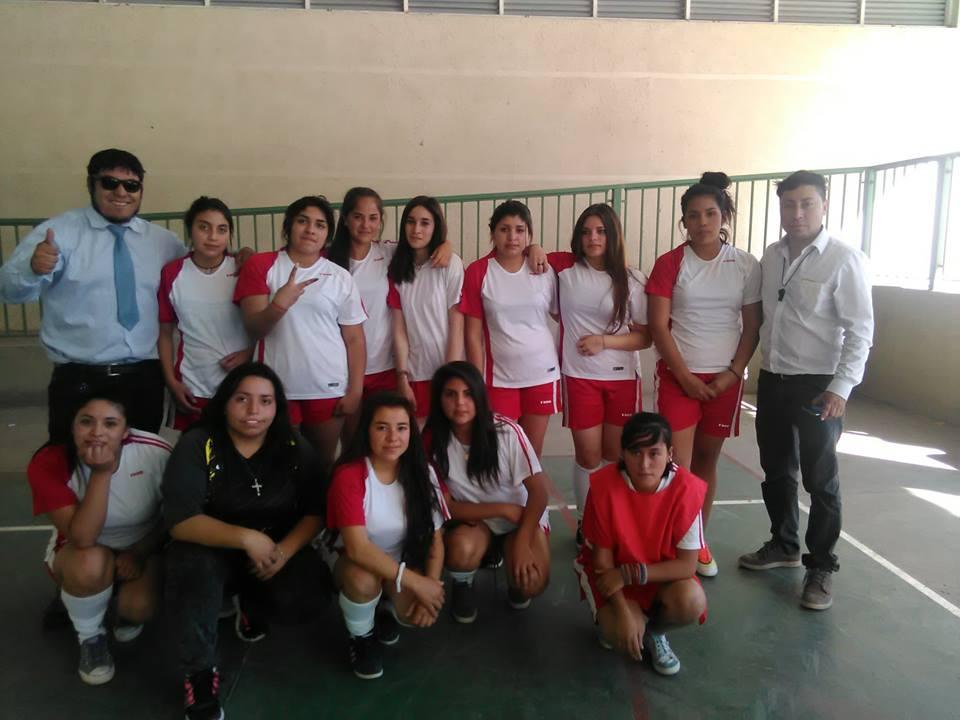Realizan fraternal encuentro deportivo liceano en Alto del Carmen