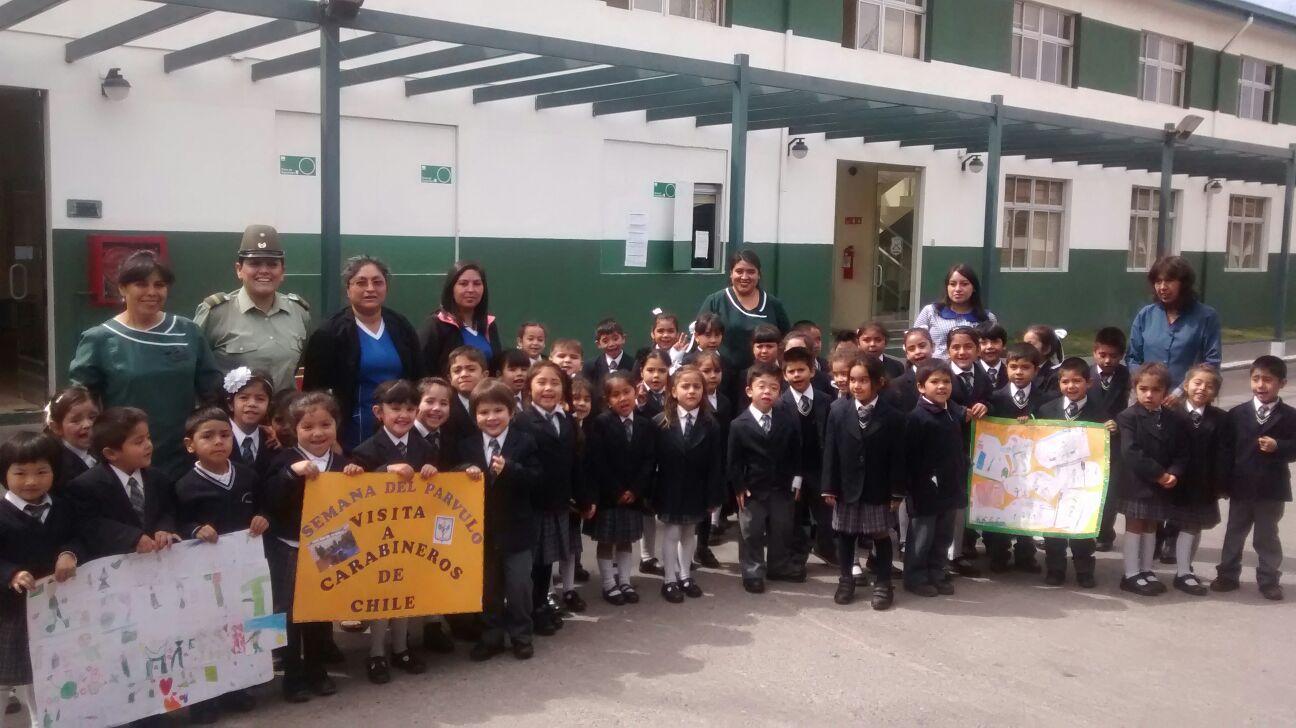Peques de escuela vallenarina visitaron dependencias de Carabineros