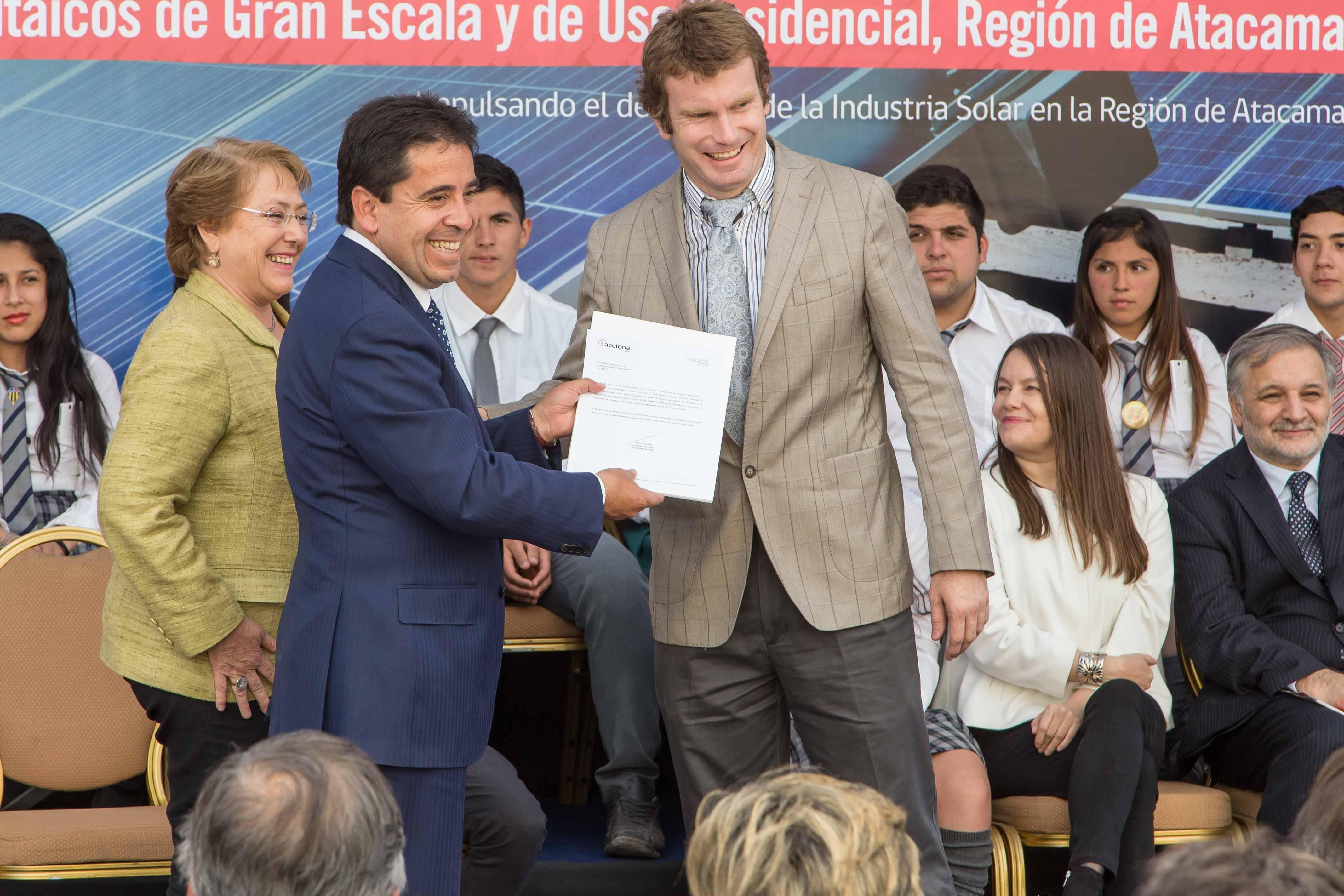 """Construcción de parque eólico """"El Romero solar"""" creará más de 450 puestos de trabajo en Vallenar"""