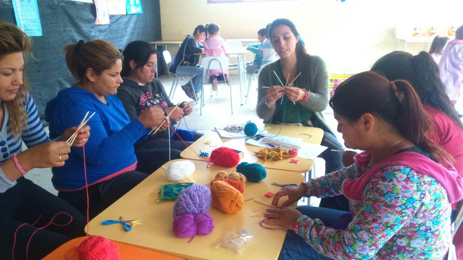 """Familias se integran a trabajo del """"Jardín sobre ruedas en mi comunidad en Alto del Carmen"""