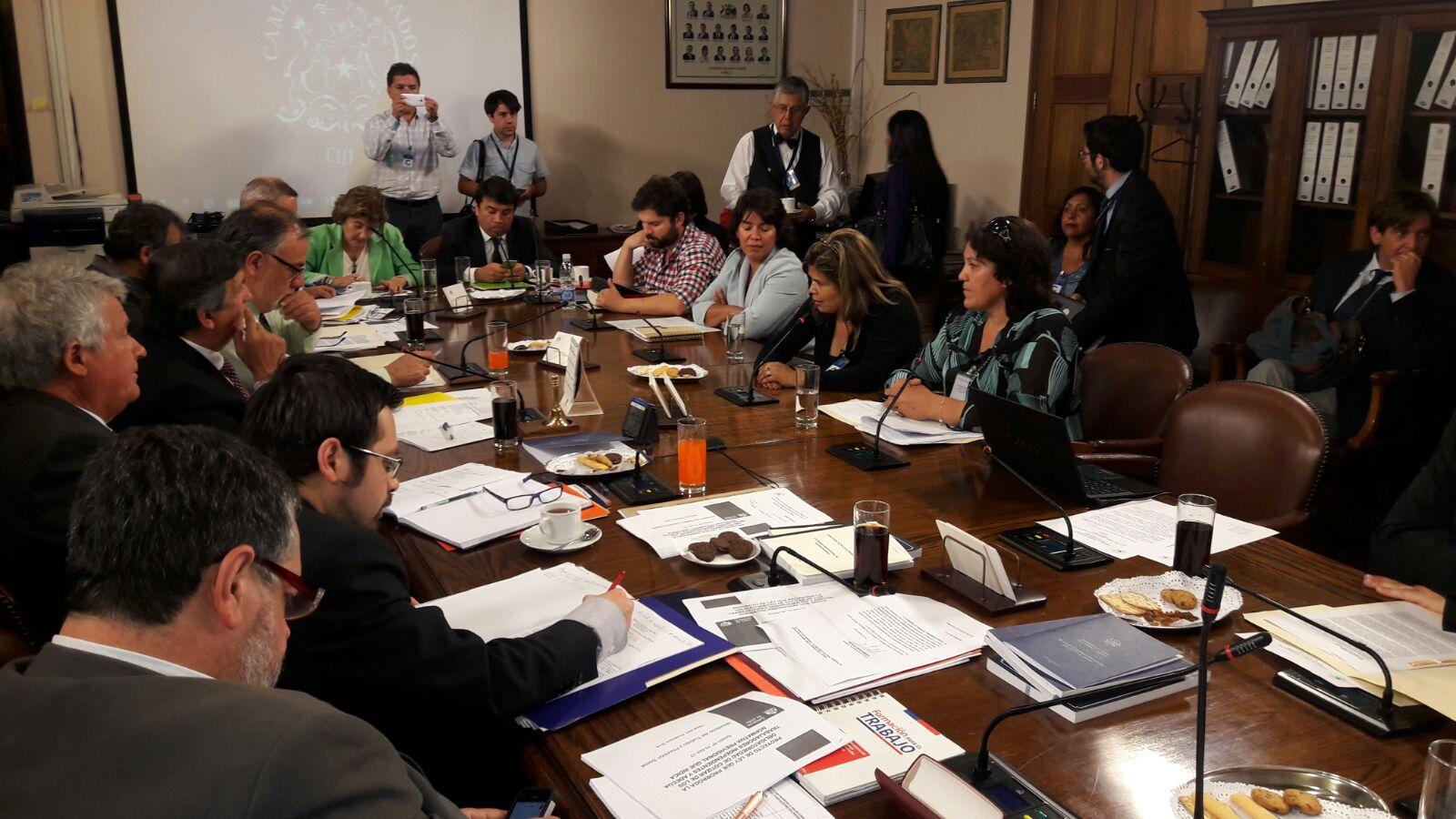 Parlamentarios solicitarán agilizar mesa de diálogo por el empleo en Huasco