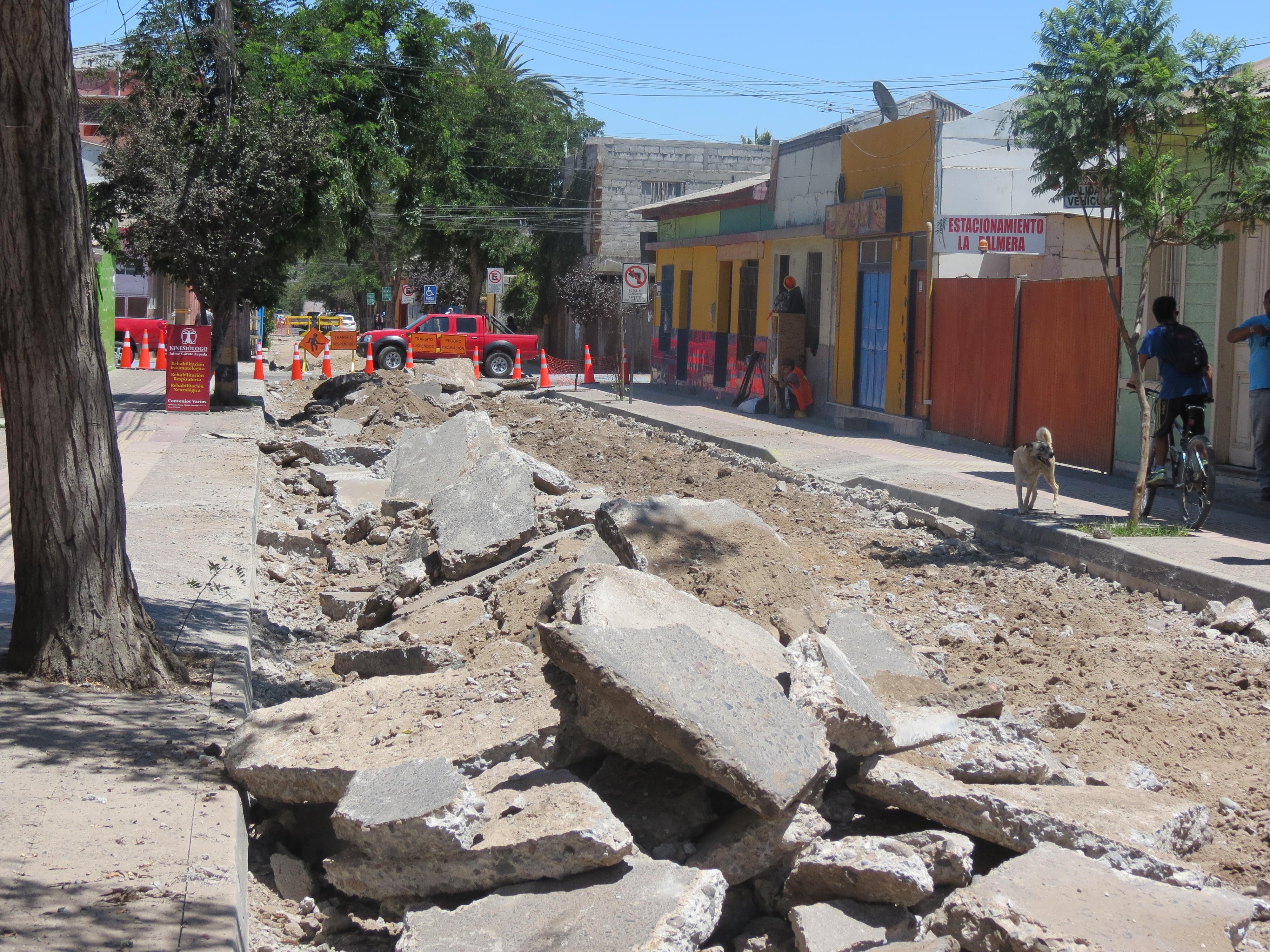 Proyecto de pavimentación de calles dará empleo a 150 personas de Vallenar
