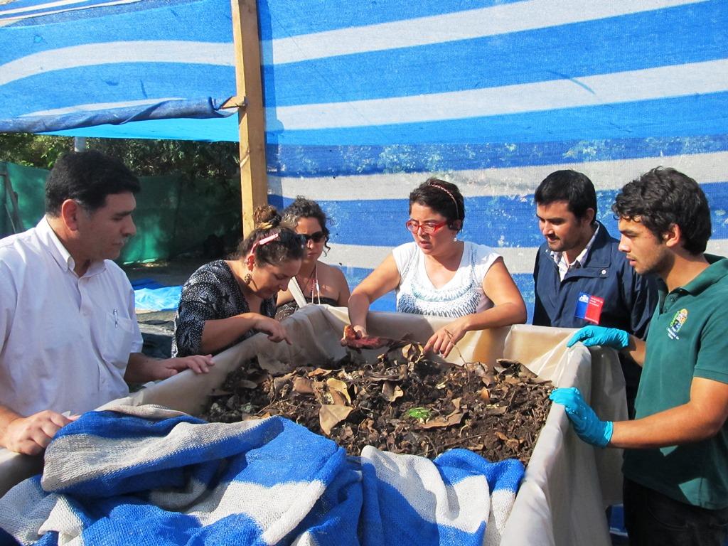 Fondo de Protección Ambiental permitió a  vecinos de Vallenar reciclar sus residuos orgánicos a través de lombricultura y compostaje