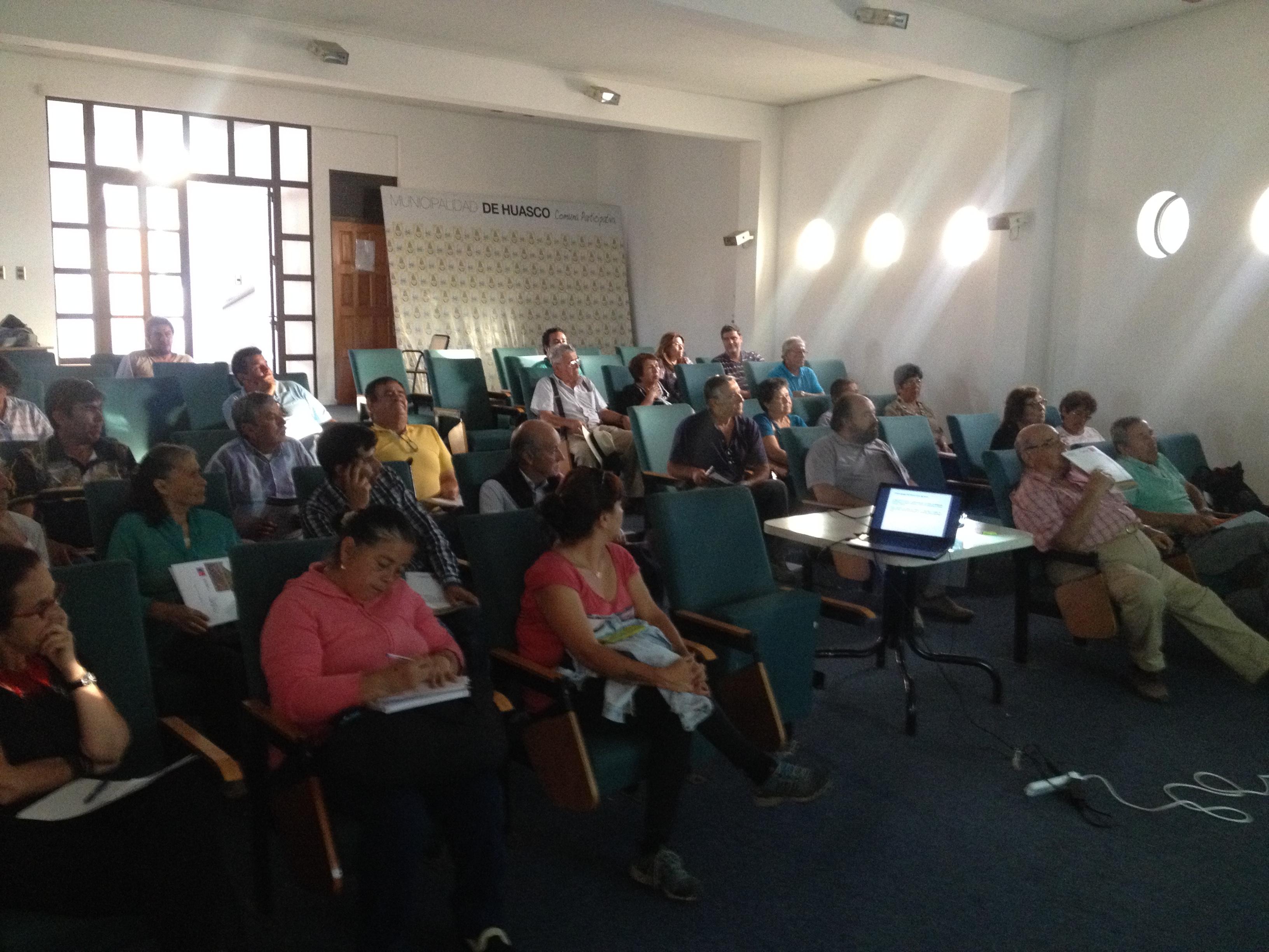 Agricultores de la Provincia de Huasco participan activamente en talleres del Plan de Riego