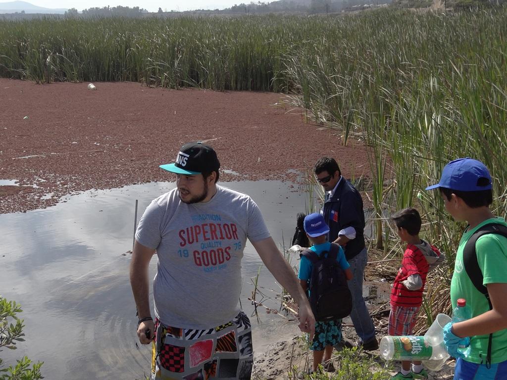 Conmemoran Día Mundial de los Humedales con limpieza del Humedal Costero Estuario del río Huasco