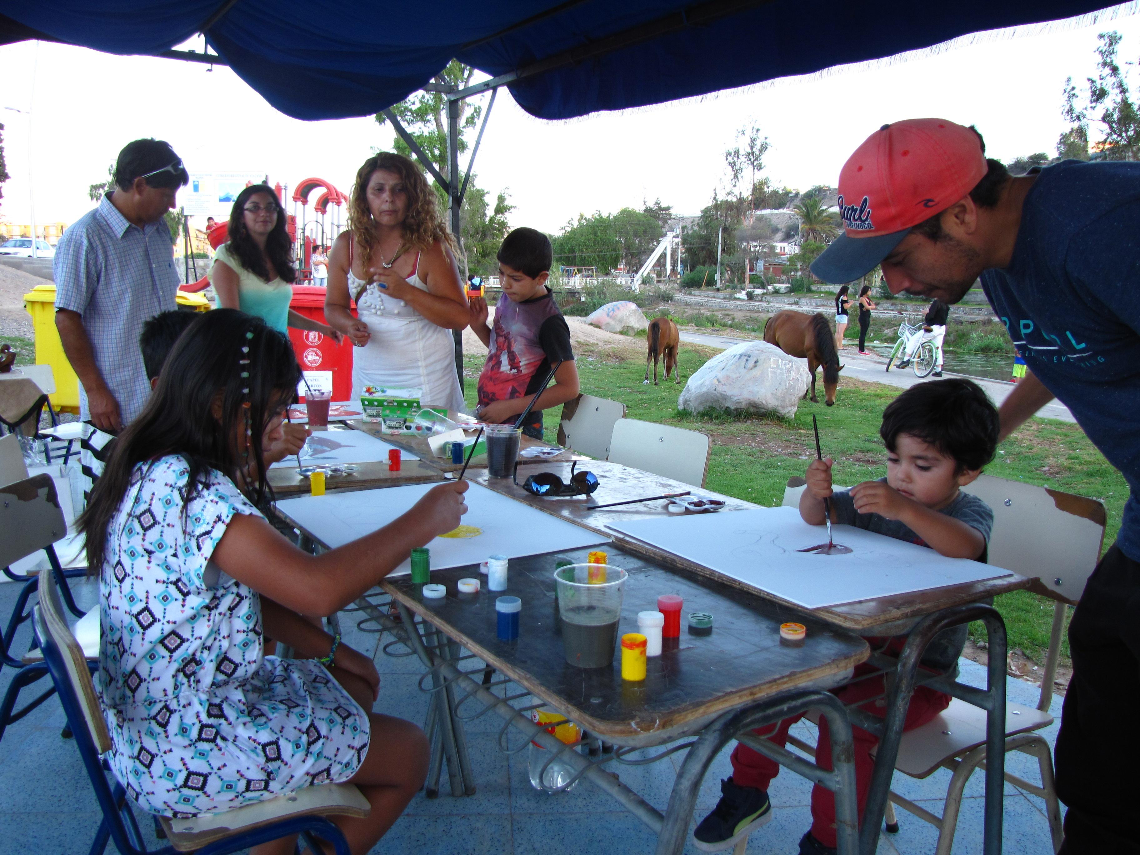 Niños, jóvenes y adultos asistieron al Primer Encuentro de Artes y Oficios en Vallenar