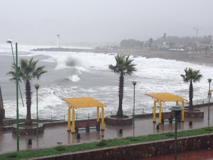 Anuncian marejadas desde Huasco hasta Arica