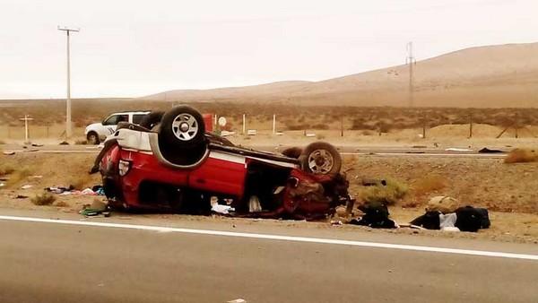 Un fallecido y dos heridos graves deja volcamiento vehicular entre Copiapó y Vallenar