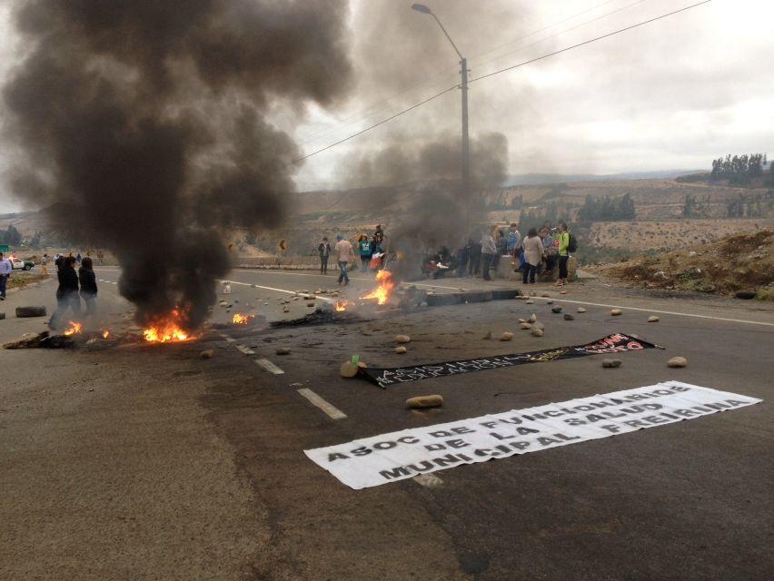 Funcionarios públicos se toman rutas de la provincia del Huasco (fotos y video)