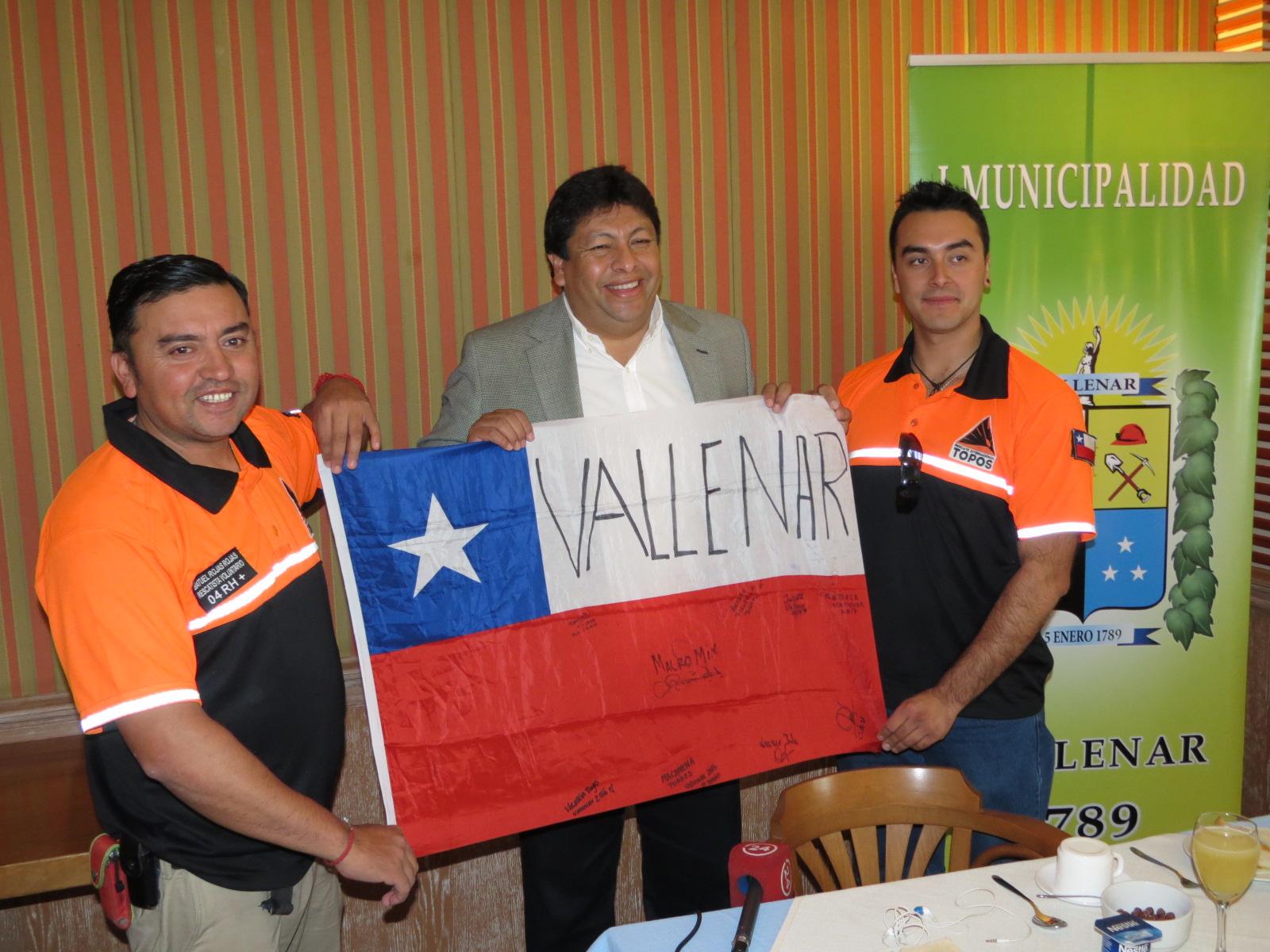 Concejo Comunal de Vallenar reconoce labor de rescatistas vallenarinos