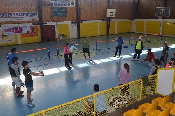 El tenis llega a Huasco con programa de Guacolda y Fundación AES Gener
