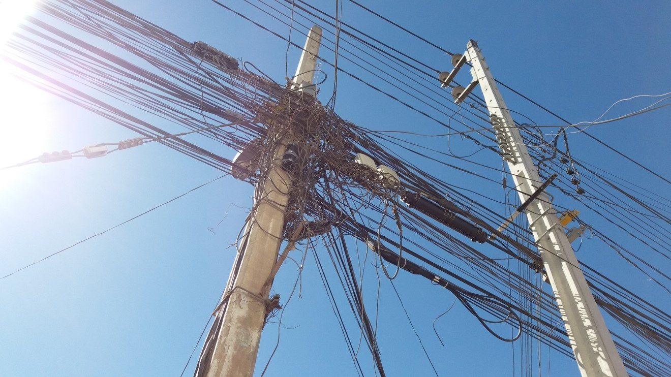 Avanzan coordinaciones para retiro de cables en desuso en Vallenar Huasco y Freirina