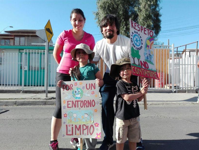 Papitos marcharon por basural en cercanías de jardín infantil en Vallenar