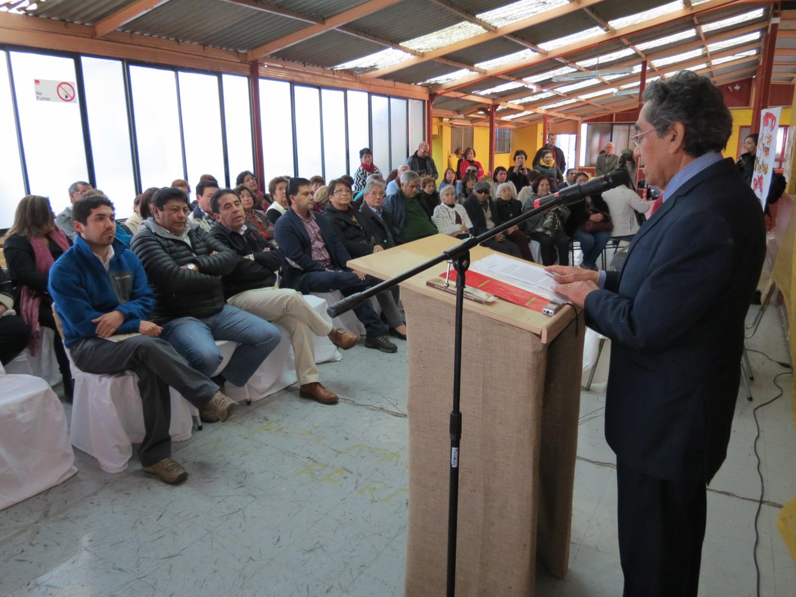 Ex funcionarios del Hospital Nicolás Naranjo publican libro con sus vivencias en el histórico edificio