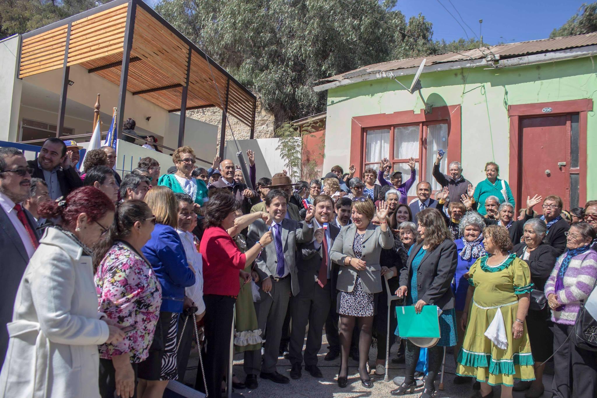 En Freirina se inaugura Centro de Encuentro para los Adultos Mayores