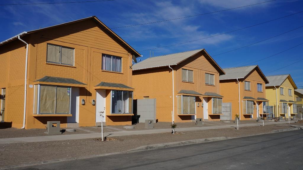 Inauguran conjunto habitacional para 182 familias de Vallenar