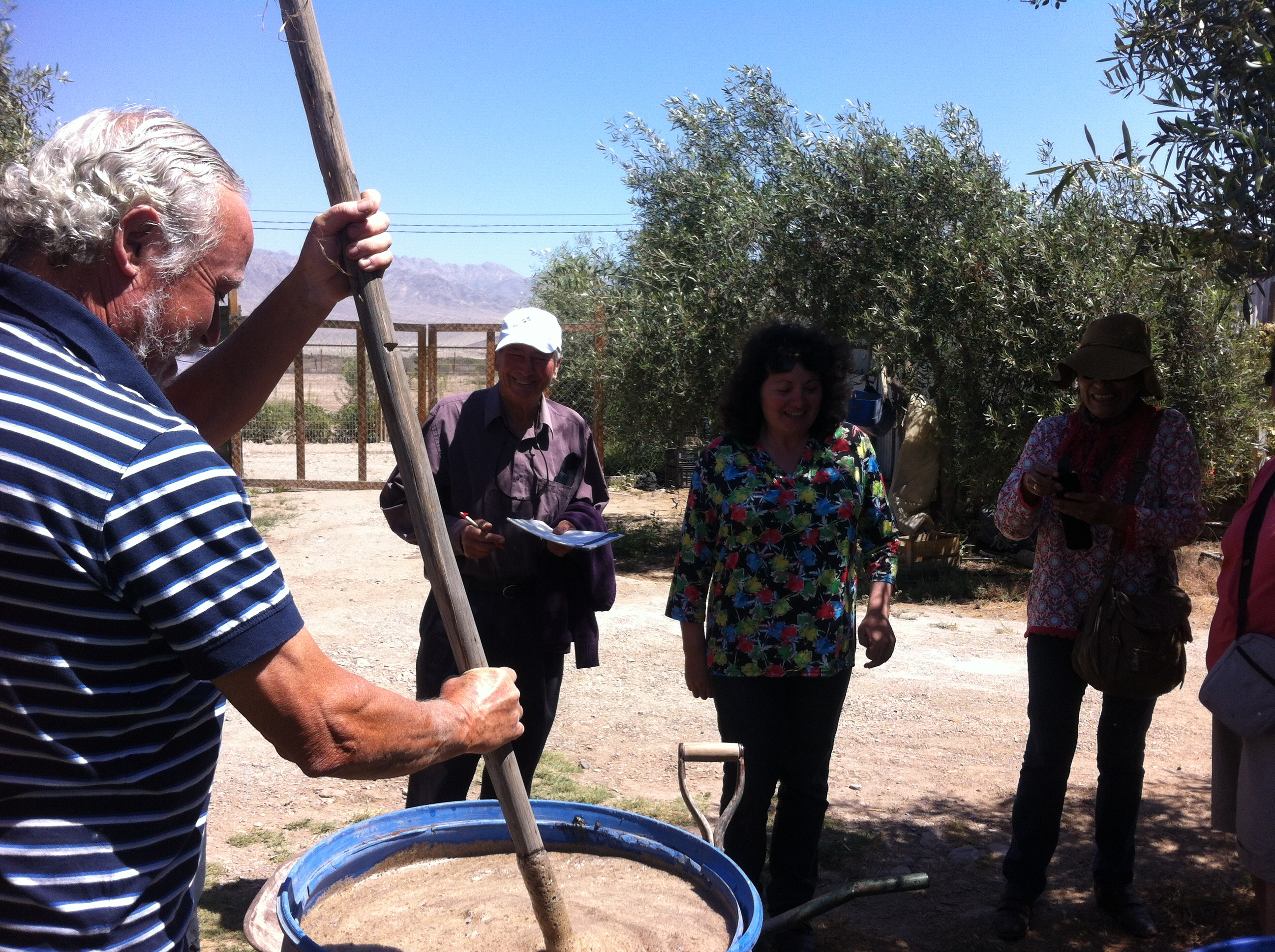 Exitoso lanzamiento de proyecto sobre elaboración de guano líquido