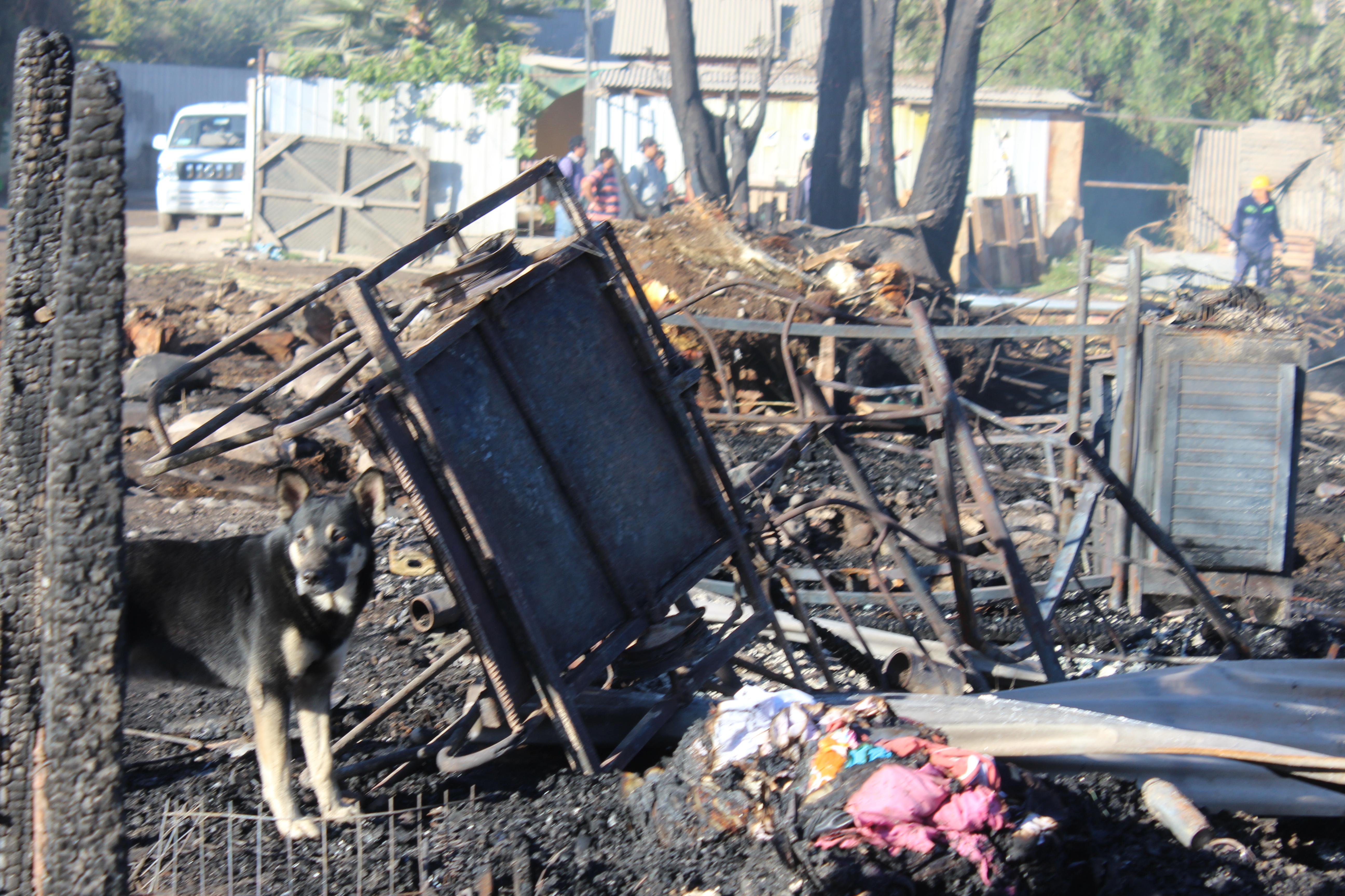Más de 20 albergados tras el incendio de Vallenar