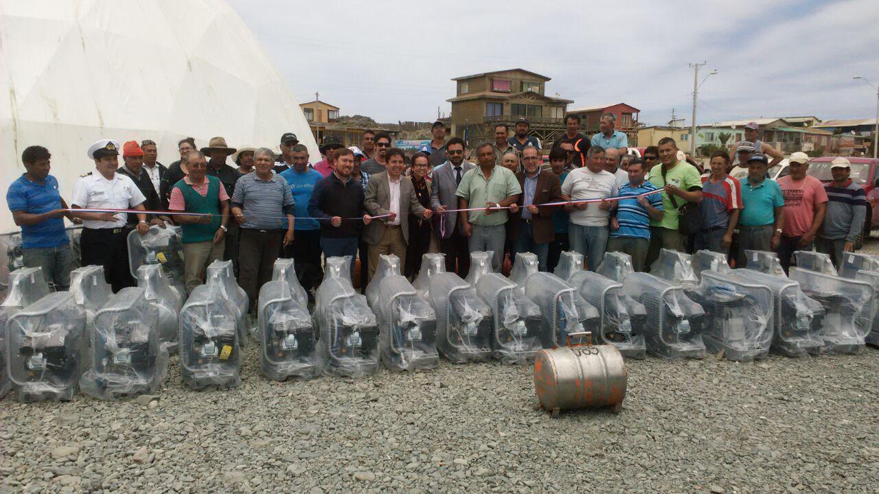 90 buzos mariscadores de Atacama reciben modernos compresores que harán más segura su actividad pesquera