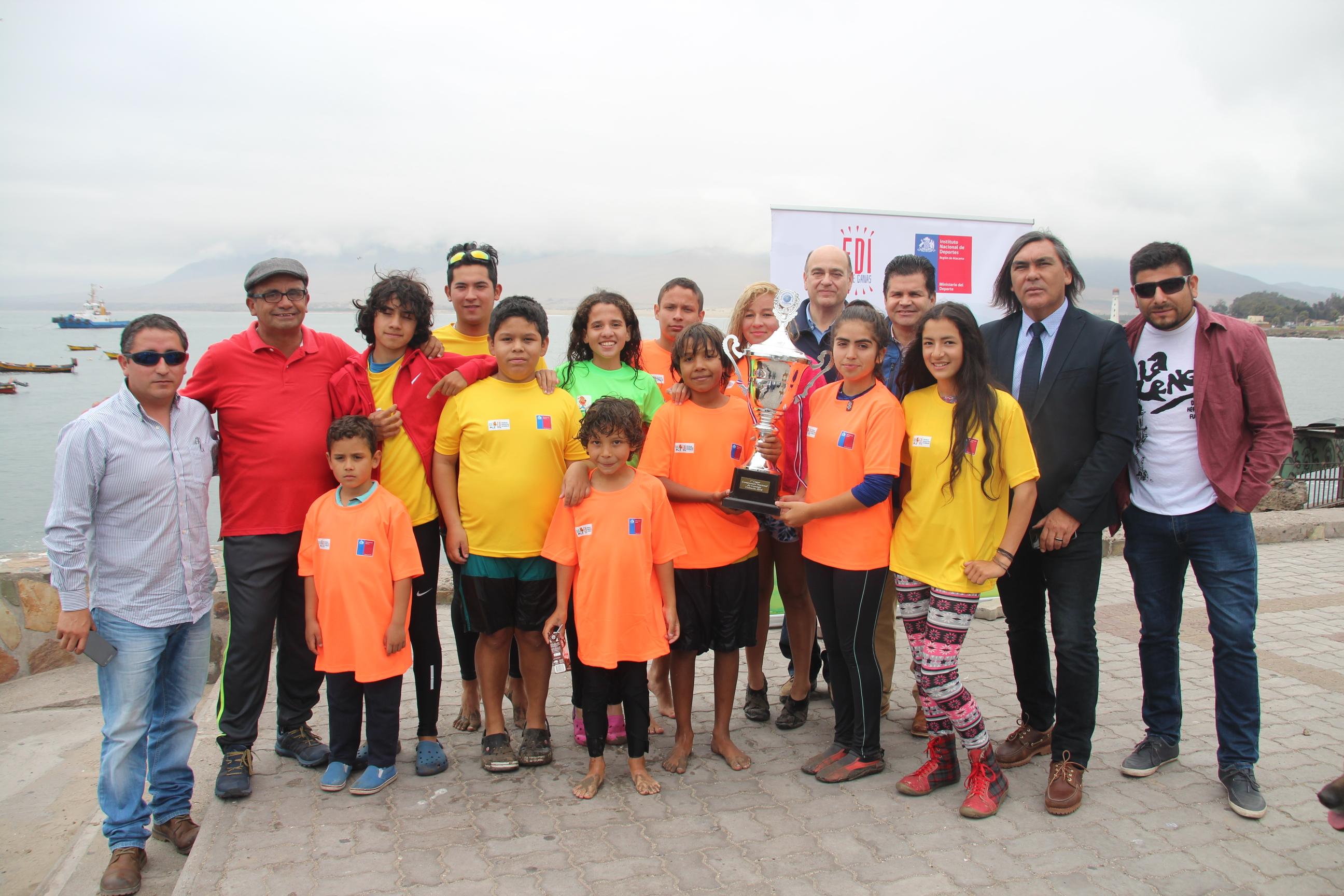 MINDEP, MUNICIPIO DE HUASCO Y GUACOLDA AES GENER RECONOCEN A CAMPEONES DE CANOTAJE