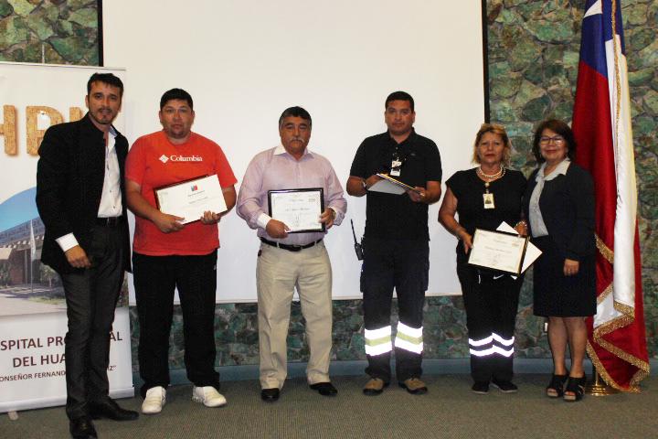Funcionarios de Hospital son reconocidos por labor realizada en incendio que afectó Vallenar