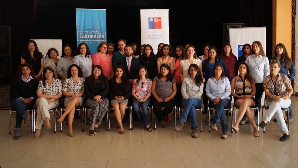 Mujeres de empresas mineras de la provincia de Huasco  conocen detalles de la Ley que Moderniza las Relaciones Laborales