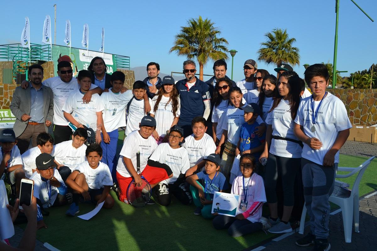 """La costanera de Huasco se llenó de deporte con el cierre de """"Masificando el Tenis"""" de Guacolda"""