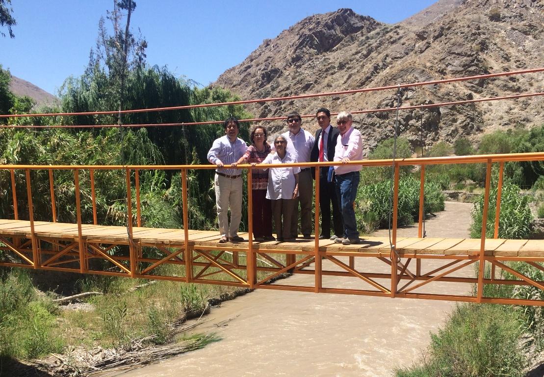 Inauguran pasarela peatonal en Crucecita Baja, Alto del Carmen