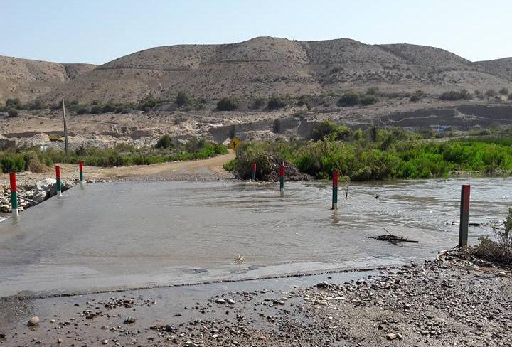 Decretan prohibición de baño y estado de alerta por crecida de río en Freirina