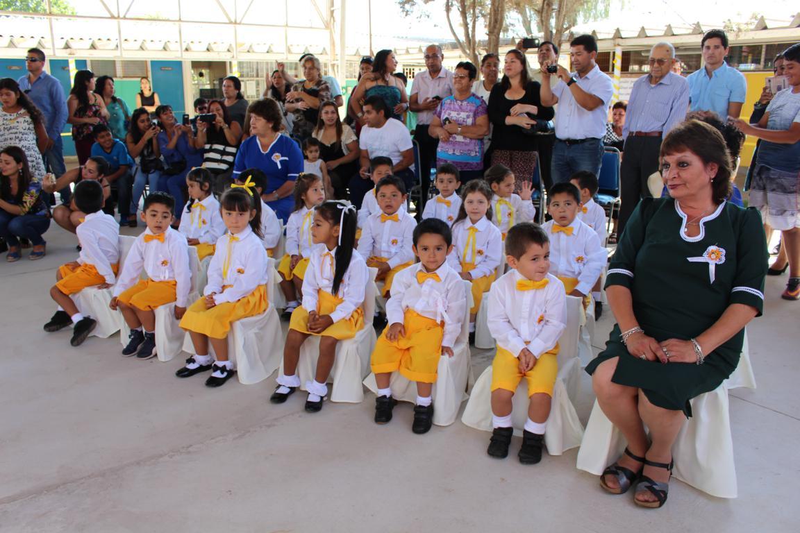 Egresan primeras generaciones de jardines infantiles VTF Vista Alegre y El Membrillar de Hacienda Buena Esperanza