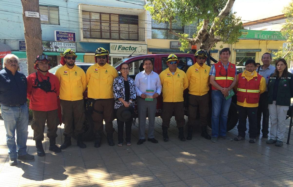 Presentan la primera brigada de prevención y combate de incendios forestales de la región