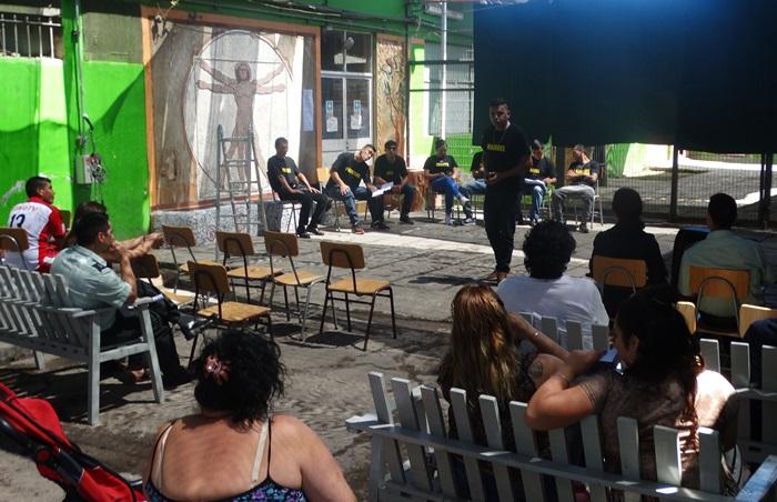 Internos de la Unidad Penal de Vallenar se lucen con taller de teatro